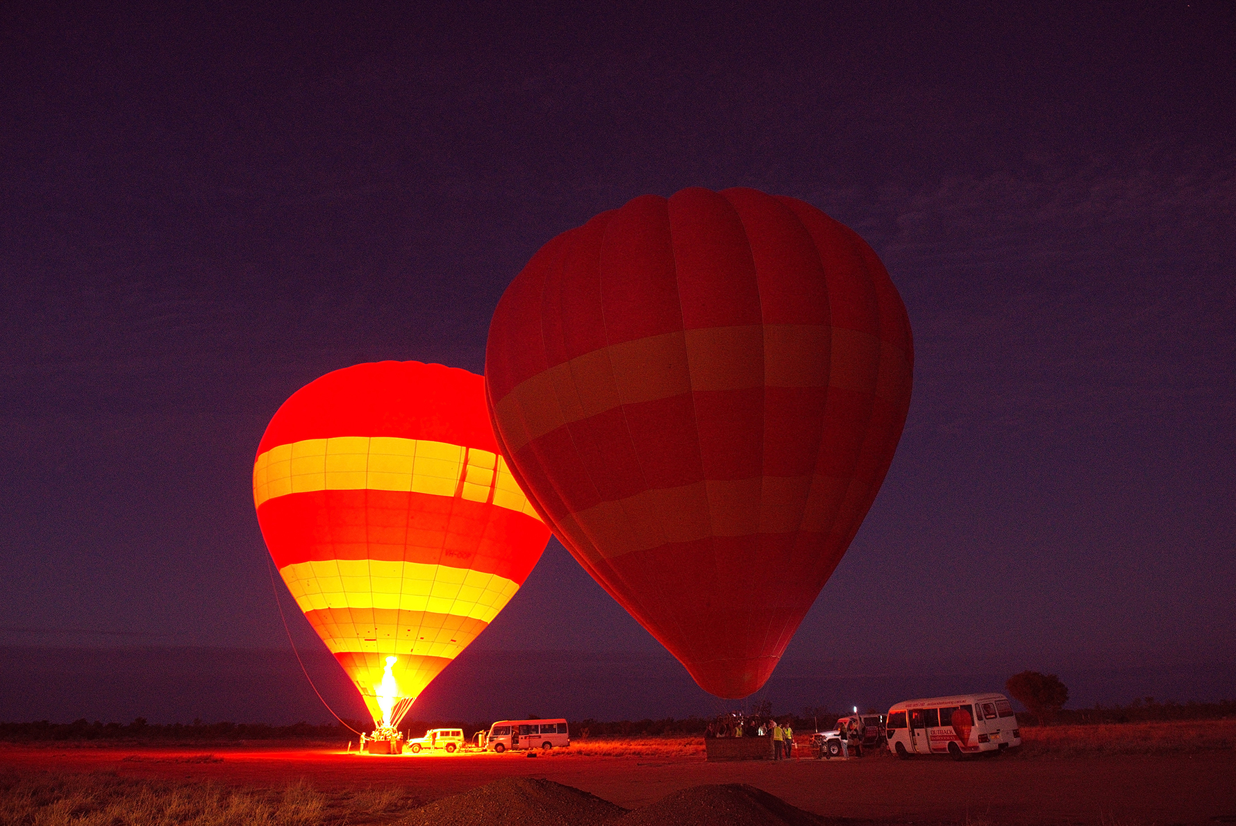 Hot air ballooning in Alice Springs - MC - Tourism NT Hannah Millerick